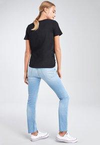 Next - Basic T-shirt - black - 3