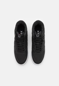 Hummel - ST POWER PLAY MID WINTER UNISEX - High-top trainers - black - 3