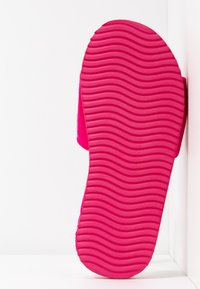 flip*flop - POOLY LOGO - Slippers - very pink - 6