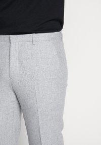 Shelby & Sons - BEMBRIDGE TROUSER - Trousers - light grey - 5