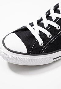 Converse - CHUCK TAYLOR ALL STAR DAINTY BASIC - Sneakers laag - black/white