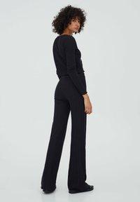 PULL&BEAR - GERIPPTE - Trousers - black - 2