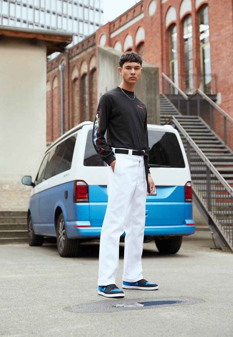 Nike SB - ALLEYOOP UNISEX - Skateboardové boty - black/royal blue