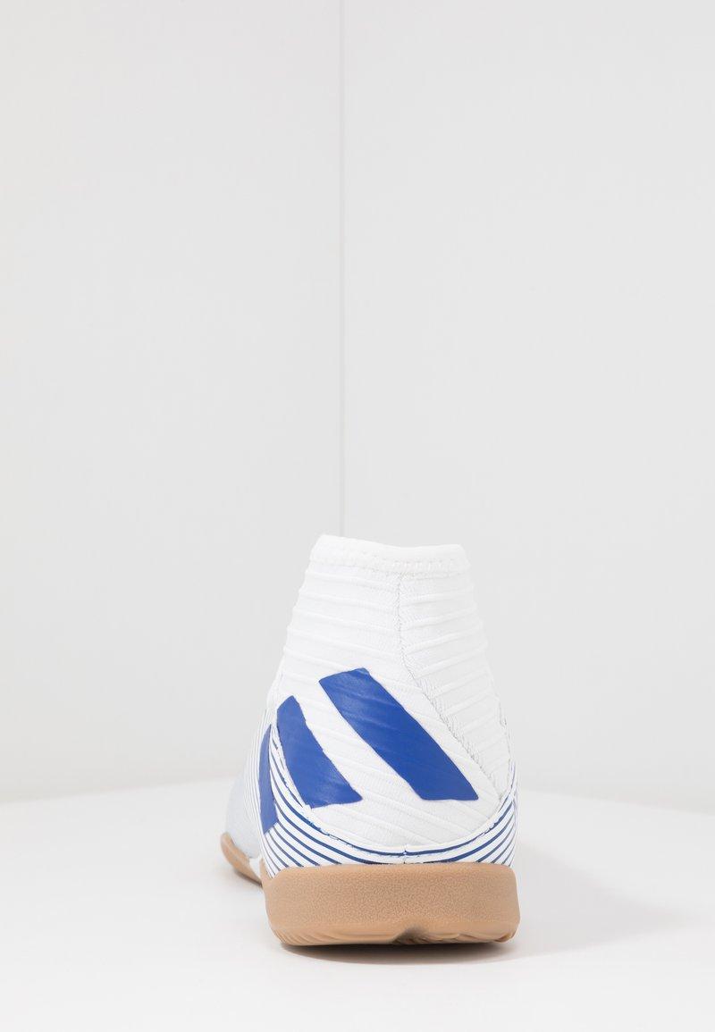 adidas Performance - NEMEZIZ IN - Chaussures de foot en salle - footwear white/royal blue/core black