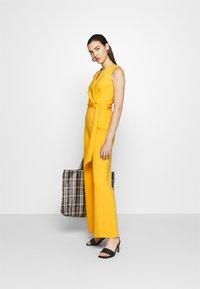 Closet - D RING WRAP - Jumpsuit - yellow - 1