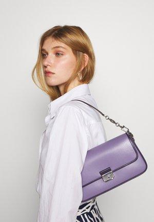 BRADSHAW - Handbag - orchd