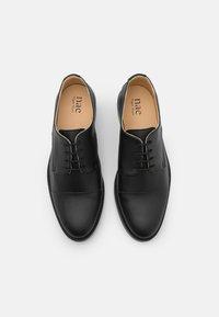 NAE Vegan Shoes - NEWBCN VEGAN - Stringate - black - 3