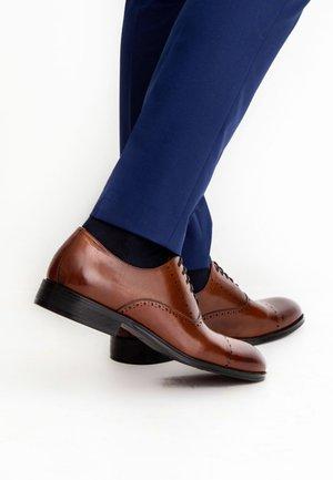 DARDAGA  - Elegantní šněrovací boty - brown