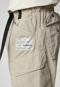 Napapijri - M-HONOLULU - Cargo trousers - natural beige