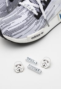 adidas Originals - NMD_R1 BOOST PRIMEKNIT SPORTS INSPIRED SHOES UNISEX - Sneakers - footwear white/core black - 5