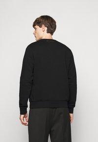 KARL LAGERFELD - CREWNECK - Sweatshirt - black/gold - 2