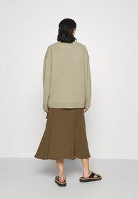 RIANI - Zavinovací sukně - militare - 2