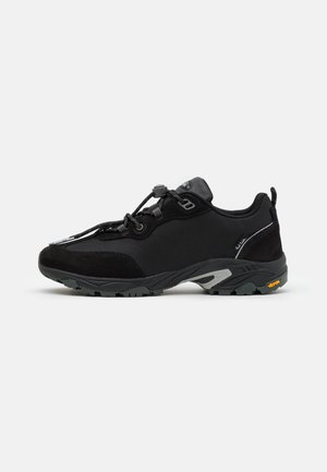 VINSON - Trainers - black