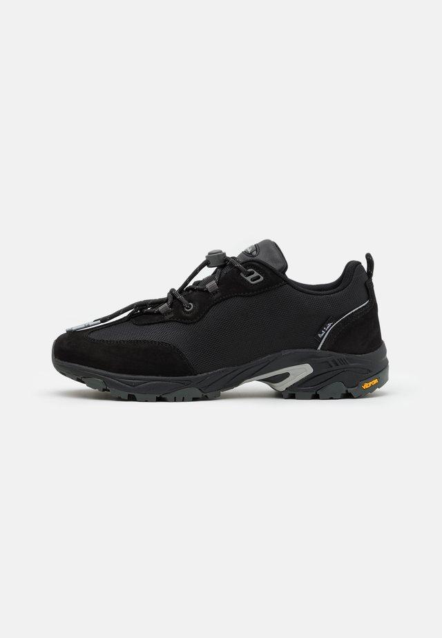 VINSON - Sneakers laag - black