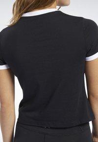 Reebok - TRAINING ESSENTIALS LINEAR LOGO TEE - Print T-shirt - black - 5