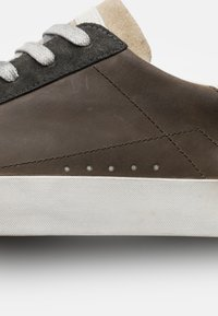 Crime London - Sneakers basse - taupe - 5