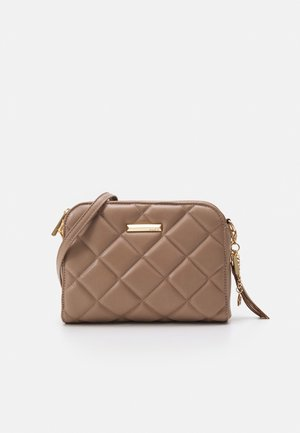 QUILTED - Across body bag - sienna