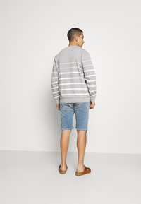 Replay - HYPERFLEX - Denim shorts - medium blue - 2
