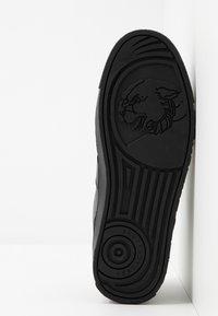 Versace Jeans Couture - FONDO CASSETTA  - Sneakers - black - 4