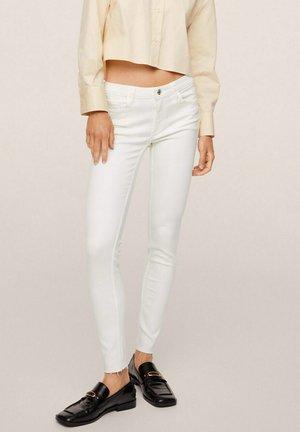 KIM SKINNY - Jeans Skinny Fit - white