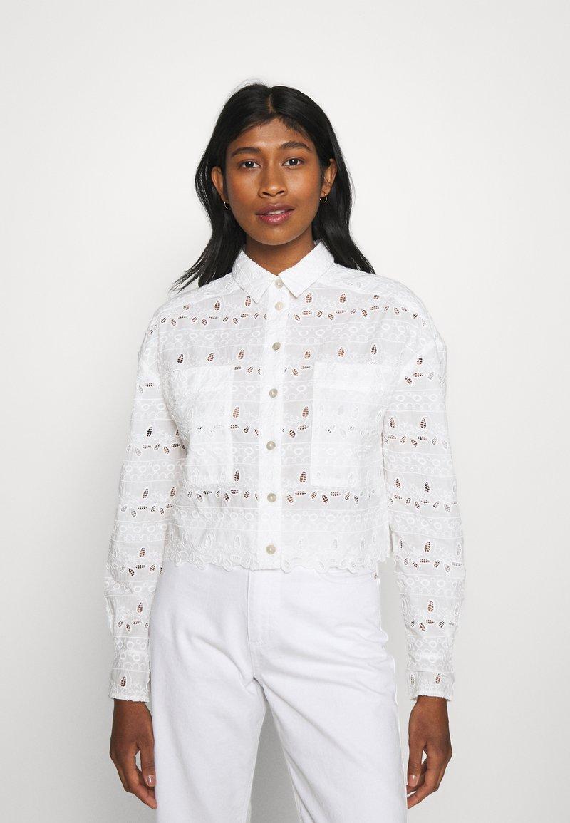 River Island - DENVER CROPPED SHACKET - Button-down blouse - white