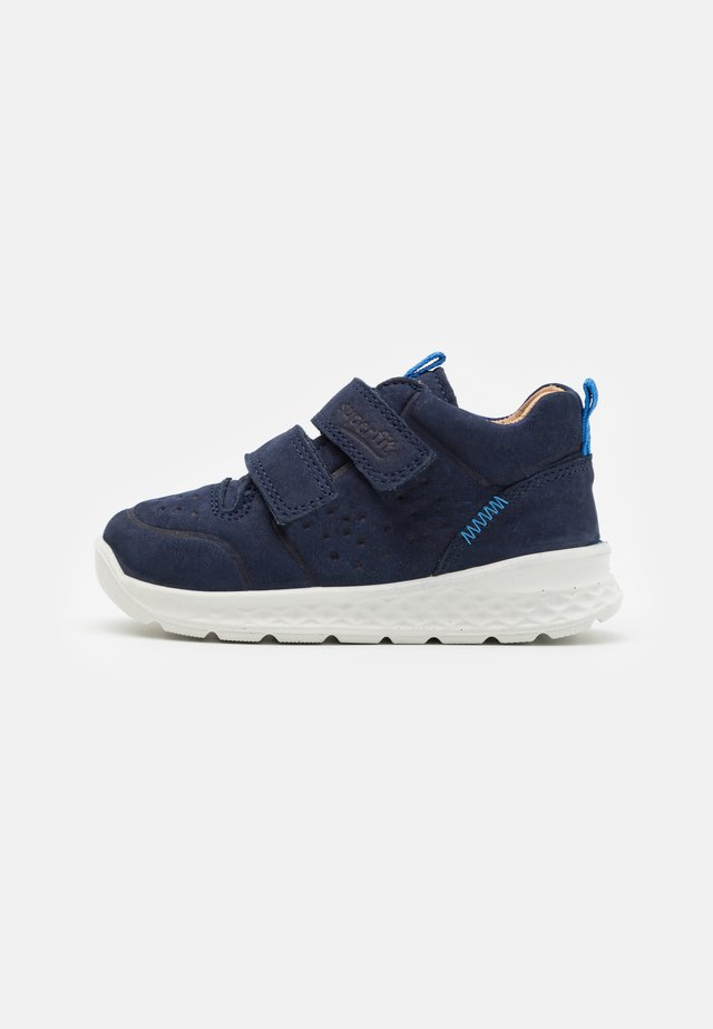 BREEZE - Höga sneakers - blau