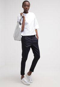 Fiveunits - JOLIE - Trousers - navy coated - 1