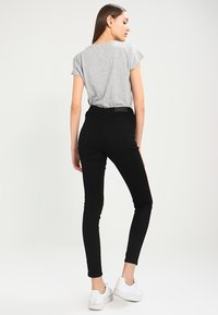 Vero Moda - VMSOPHIA NEW  - Slim fit jeans - black - 2
