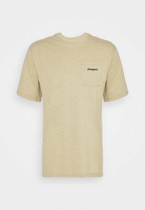LINE LOGO RIDGE POCKET RESPONSIBILI TEE - T-shirts med print - classic tan