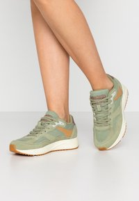 Woden - SOPHIE - Trainers - dusty olive - 0