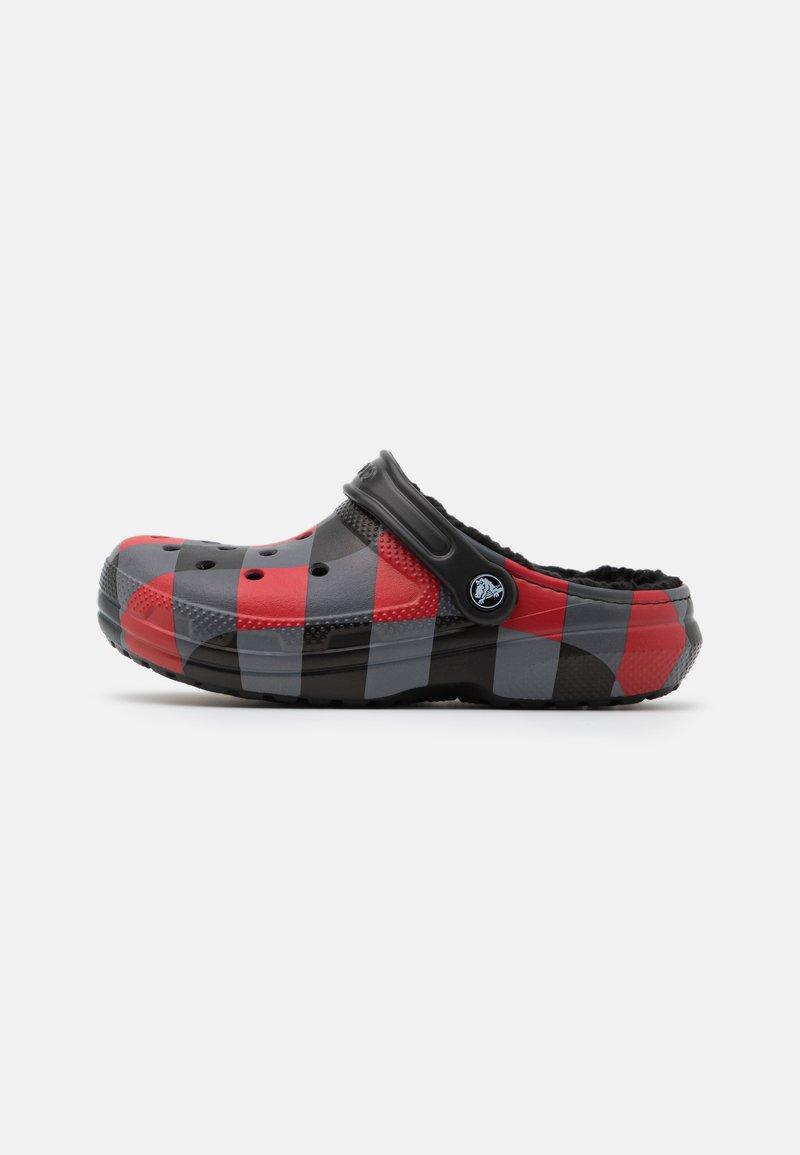Crocs - CLASSIC LINED PLAID UNISEX - Mules - red/black
