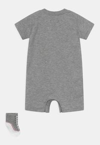 Converse - CHUCK ROMPER SET UNISEX - Jumpsuit - dark grey heather - 1