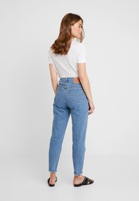 Levi's® - MOM JEAN - Jeans Tapered Fit - pacific sky - 2