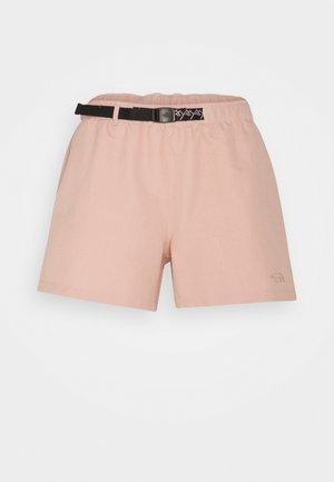CLASS BELTED SHORT  - Korte sportsbukser - evenng sand pink