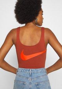 Nike Sportswear - Top - firewood orange/total orange - 4