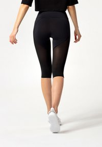 carpatree - HYPERION TULLE CAPRI LEGGINGS - Collant - black - 2