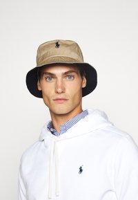 Polo Ralph Lauren - BUCKET HAT - Hat - boating khaki - 1