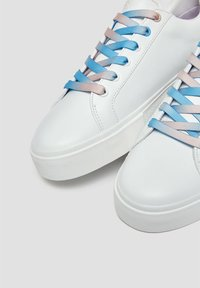 PULL&BEAR - STITCH - Sneakers basse - white - 5