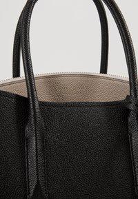 kate spade new york - MEDIUM SATCHEL - Handtasche - black/warm taupe - 7