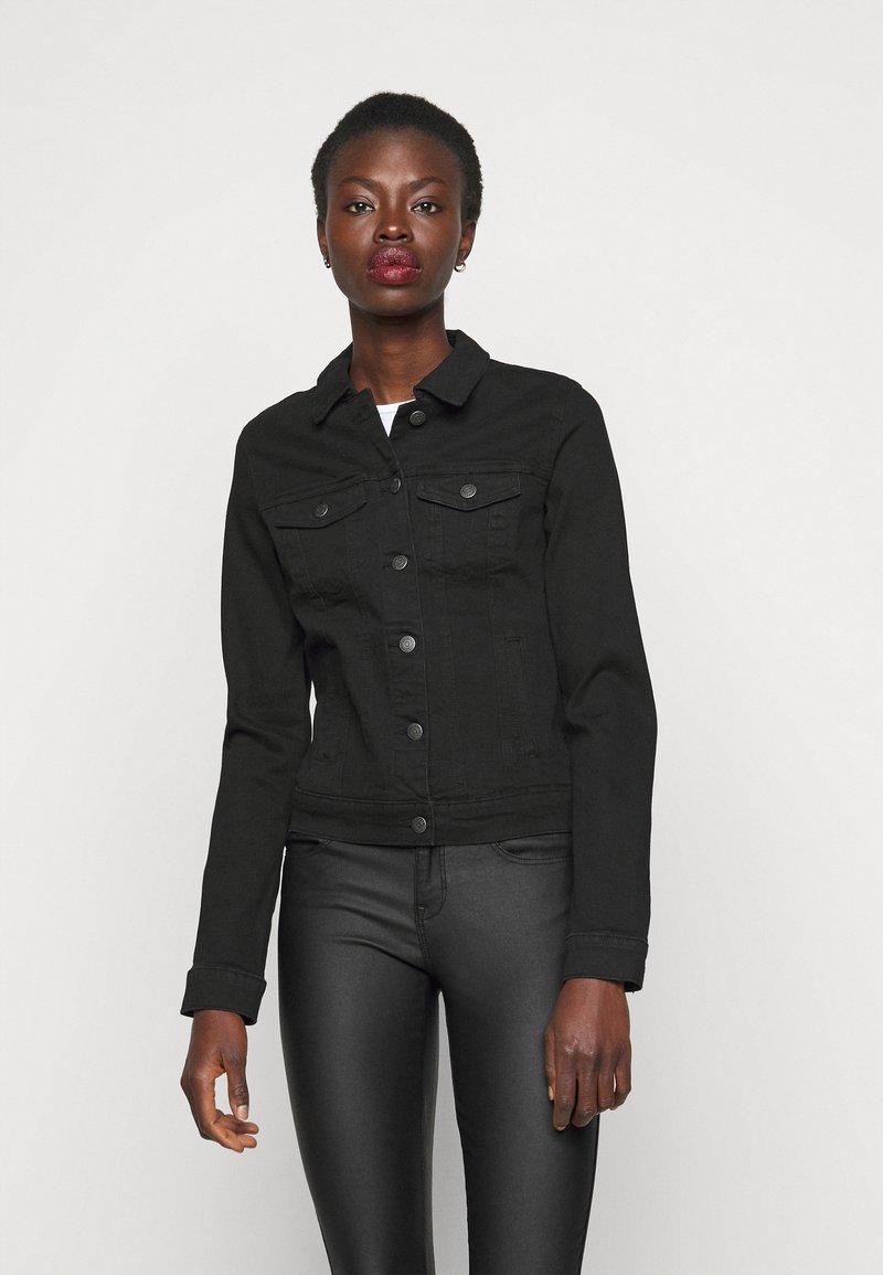 Vero Moda Tall - VMHOT SOYA JACKET - Denim jacket - black