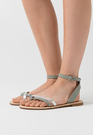 LEATHER - Sandalias de dedo - mint/silver