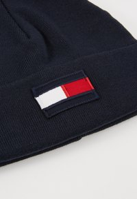 Tommy Hilfiger - BIG FLAG BEANIE - Beanie - blue