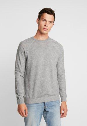 PLAITED CREW NECK - Strikkegenser - light grey