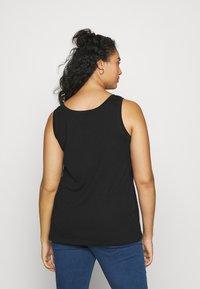ONLY Carmakoma - CARMALIBU TEE - Print T-shirt - black - 2