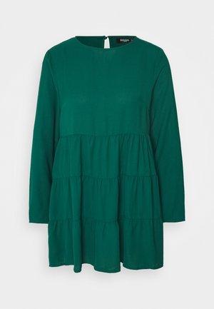 TIERED SMOCK DRESS  - Vestido informal - dark green