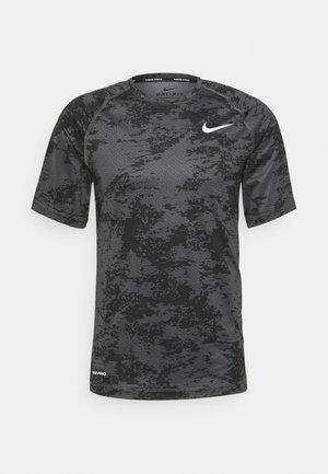 SLIM  - Print T-shirt - iron grey/white