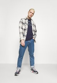 G-Star - ORIGINALS STRIPE LOGO - T-shirt con stampa - sartho blue - 1
