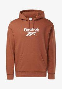 Reebok Classic - CLASSICS FOUNDATION VECTOR HOODIE - Hoodie - brown - 6
