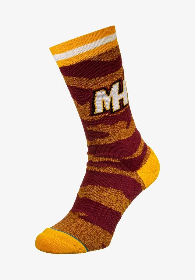 Socks - burgundy