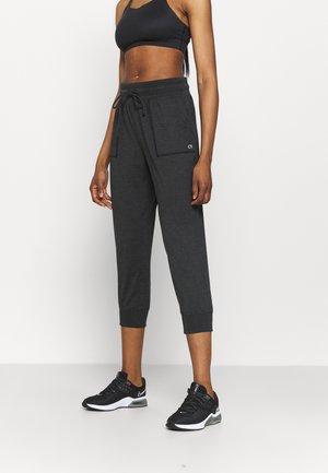 CROPPED JOGGER - Spodnie treningowe - true black